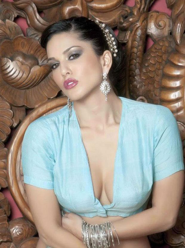 Sunny Leone (2)